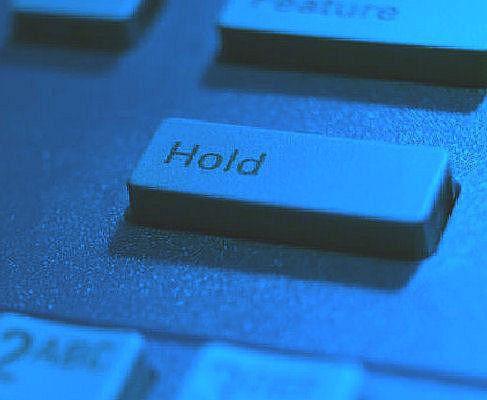 共通保留・転送~外線ボタンを通じて通話を保留・転送します~