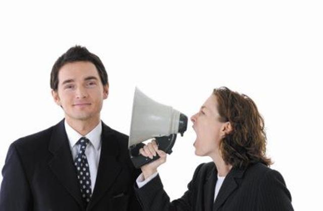 通話割り込み~通話中の多機能電話機に別の多機能電話機から割り込んで通話に参加する機能~