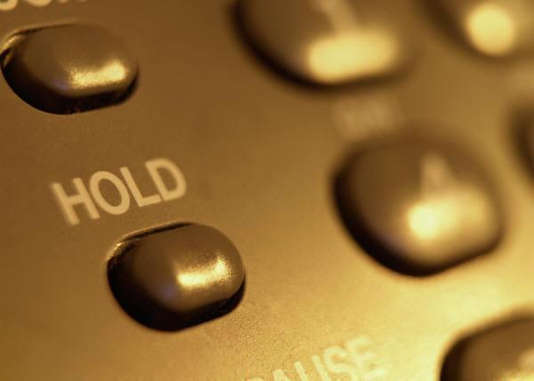 グループパーク保留・転送~多機能電話機のファンクションキーに必要に応じた数の保留ボタンを設定、通話をそのボタンに保留する~